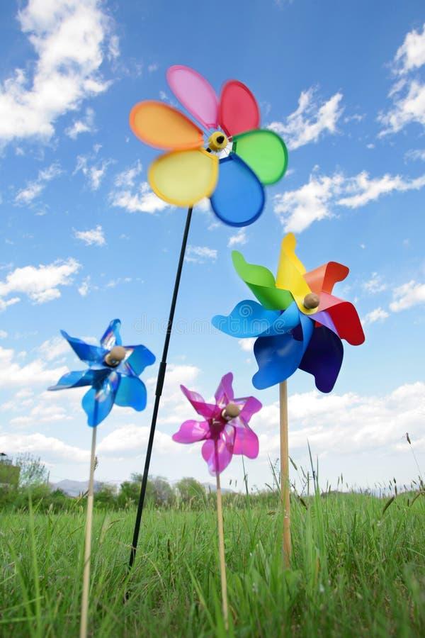 цветастые игрушки pinwheel стоковое фото