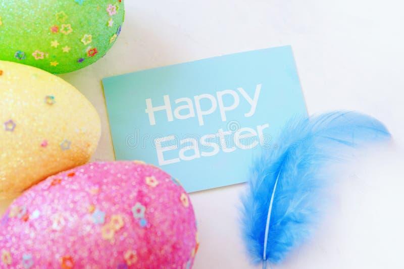 цветастые пасхальные яйца пасхальные яйца предпосылки С ретро влиянием фильтра стоковая фотография
