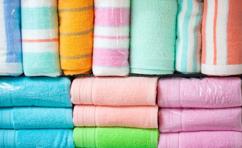 цветастые полотенца хлопка стоковое изображение