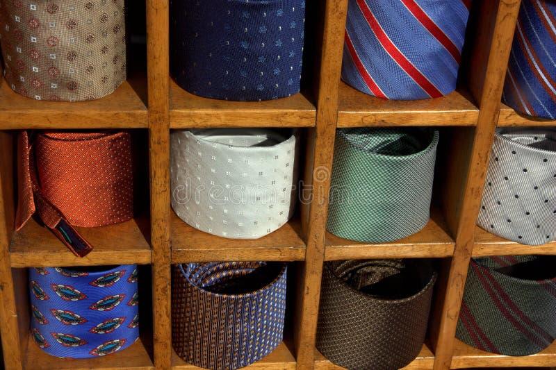 цветастые связи шкафа стоковая фотография