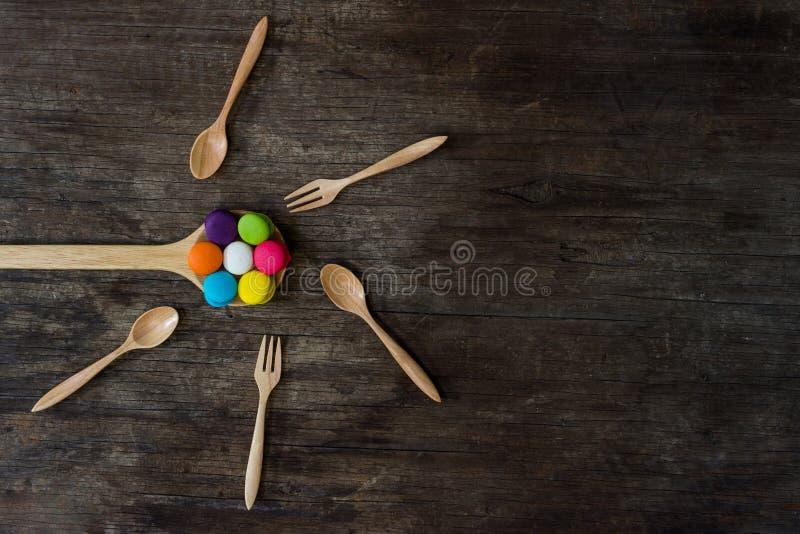 цветастые macarons стоковое изображение rf