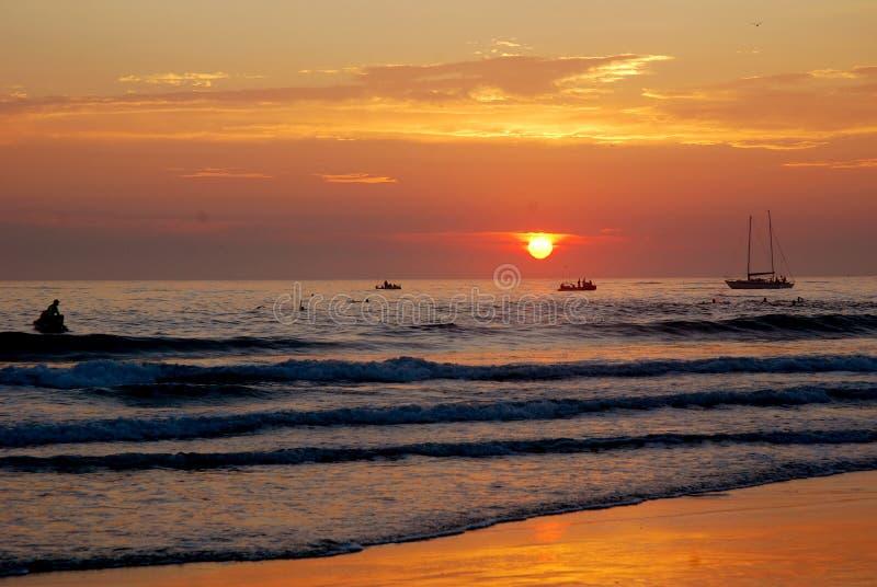 цветастый восход солнца океана стоковое изображение rf