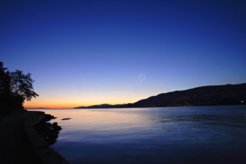 цветастый заход солнца стоковые изображения rf