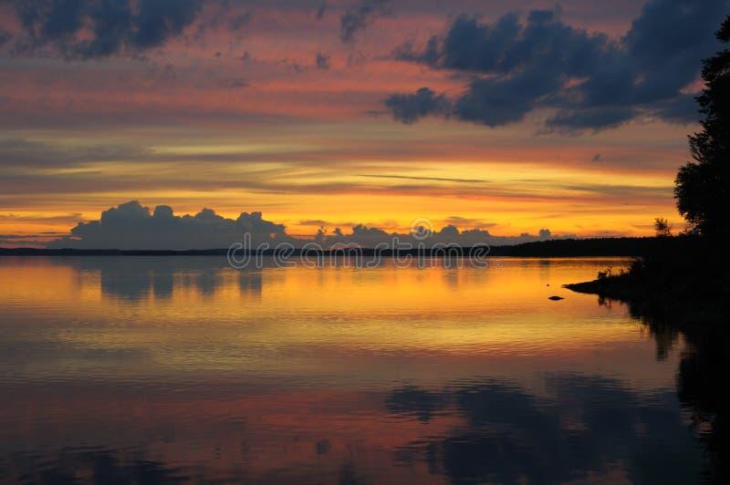 цветастый карельский заход солнца стоковое фото
