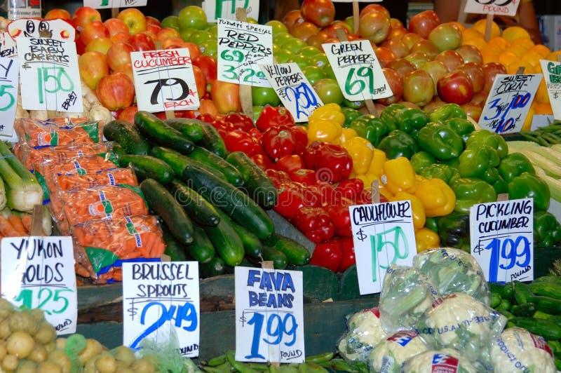 цветастый овощ стойки стоковое фото rf