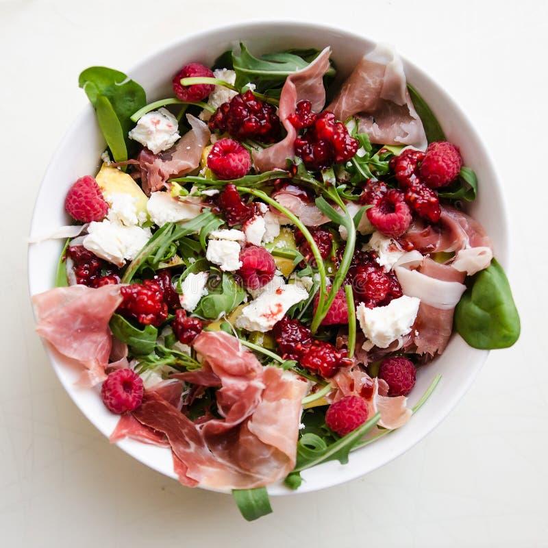 цветастый свежий салат стоковые фото