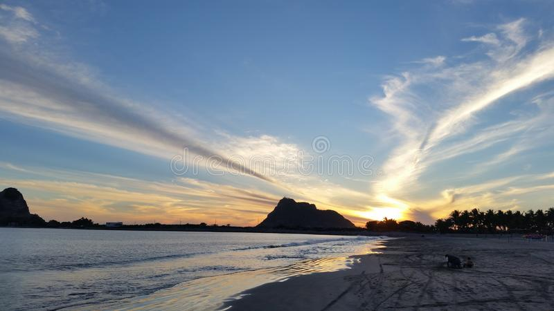 Цвета захода солнца на Isla de Ла Piedra стоковое изображение rf