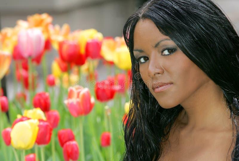 цветет женщина стоковое фото