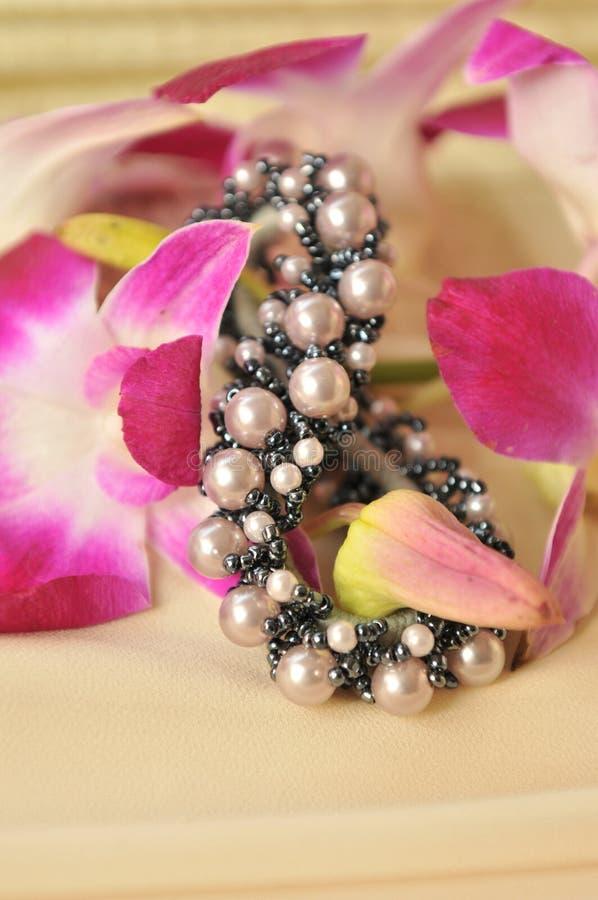 цветет scrunchie стоковое изображение