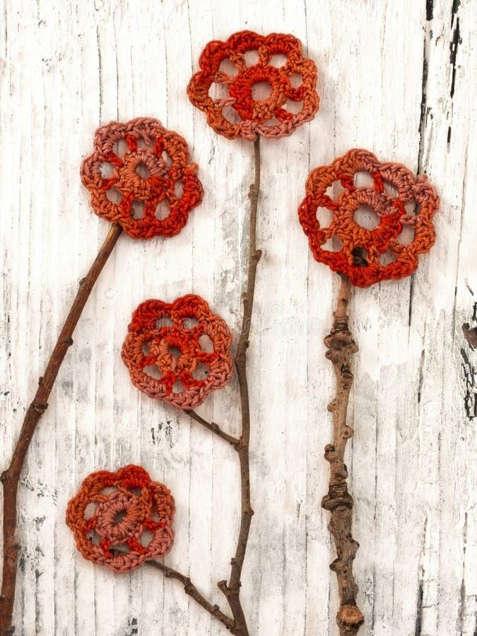 Цветки вязания крючком стоковое изображение