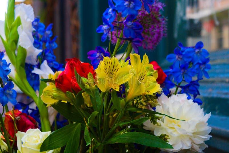 Цветки зацветая летом стоковая фотография rf
