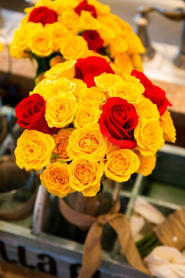 Цветки Bridal букета смешанные стоковые фотографии rf