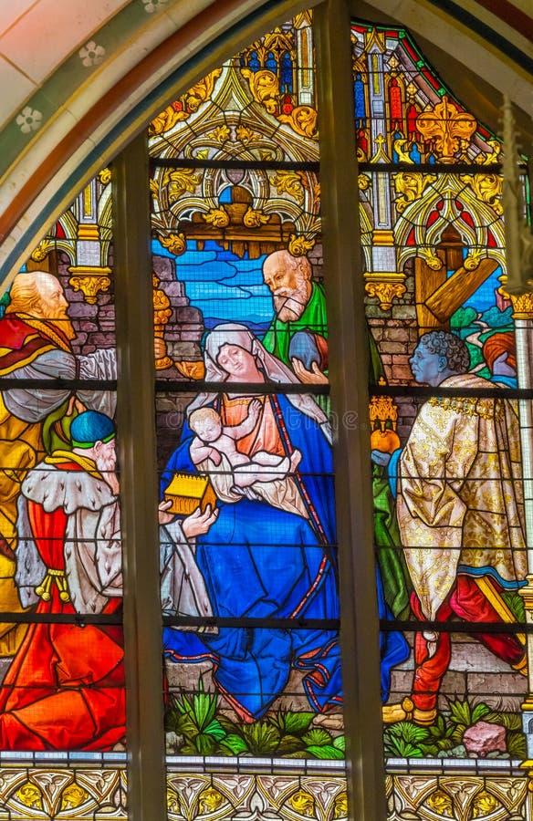 Цветное стекло рождества Mary вся церковь Schlosskirc замка Святых стоковые изображения rf