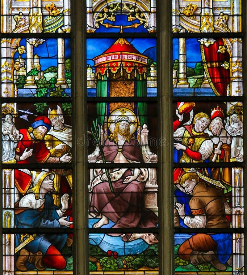 Цветное стекло - гомо Ecce стоковая фотография rf