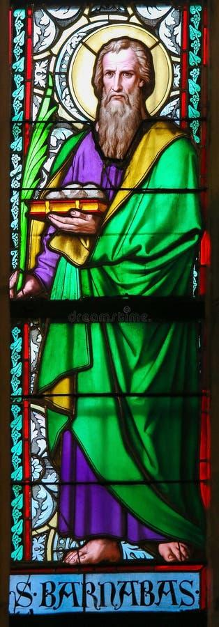 Цветное стекло - Святой Barnabas стоковые изображения rf