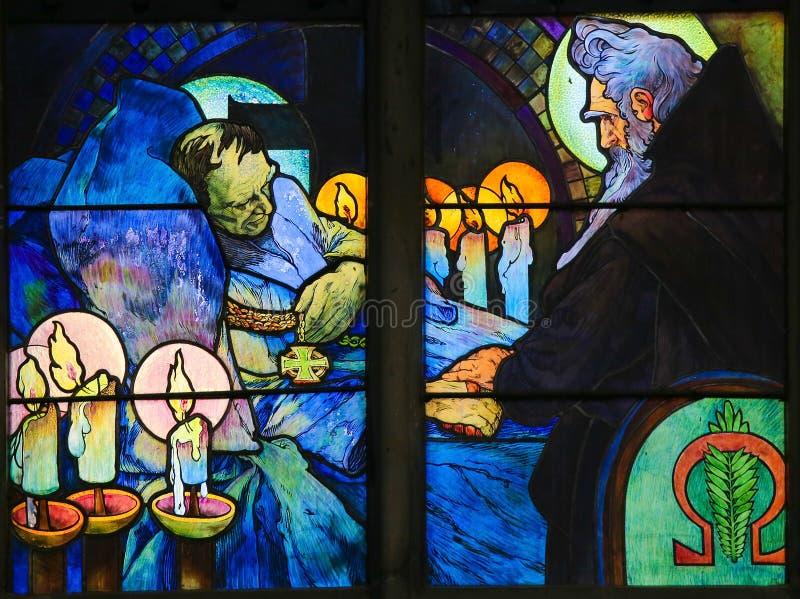 Цветное стекло Святых Кирилла и Methodius Alphonse Mucha стоковые фото