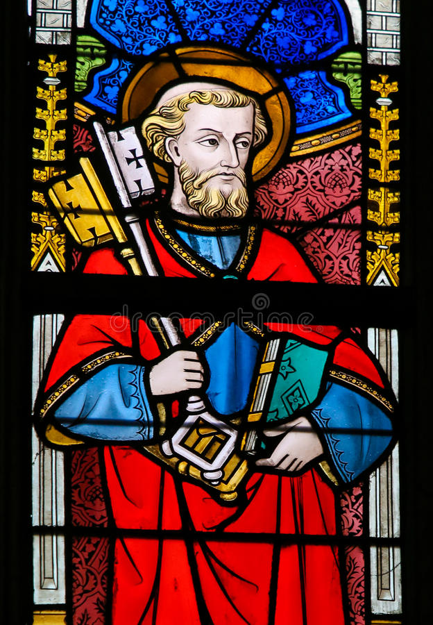 Цветное стекло - St Peter стоковое изображение rf