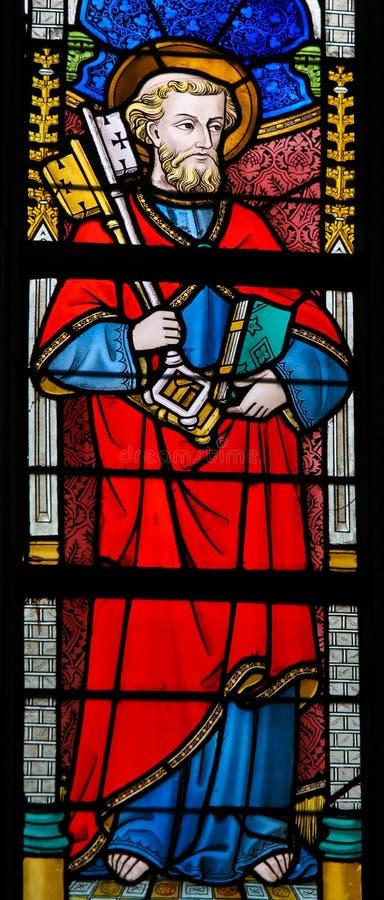 Цветное стекло - St Peter стоковая фотография