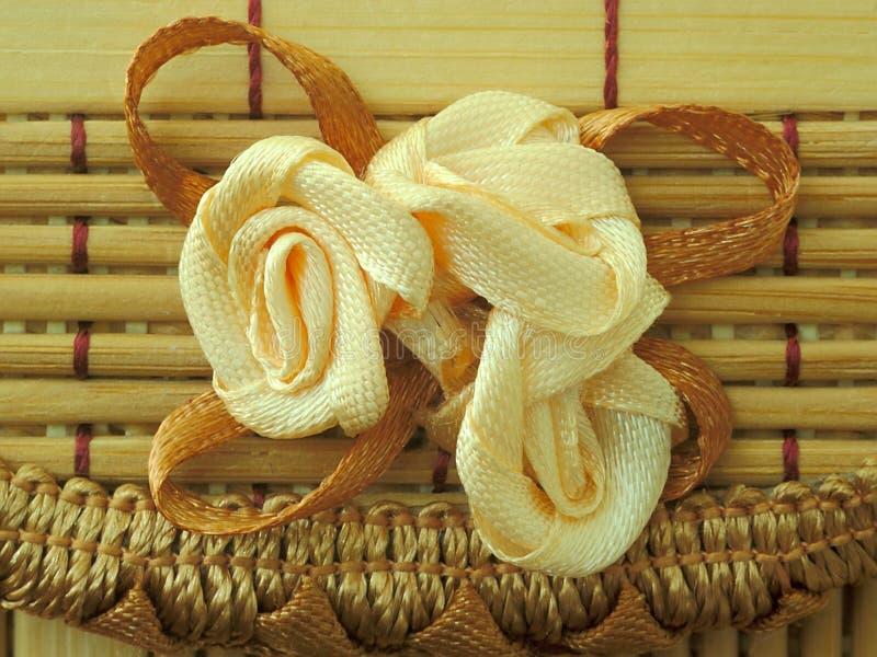 Цветок сделанный шнурка стоковая фотография rf