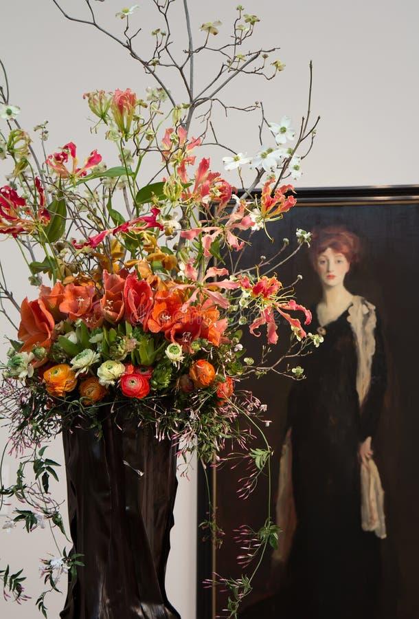 Цветочная композиция на букетах к искусству 2014 стоковые фото