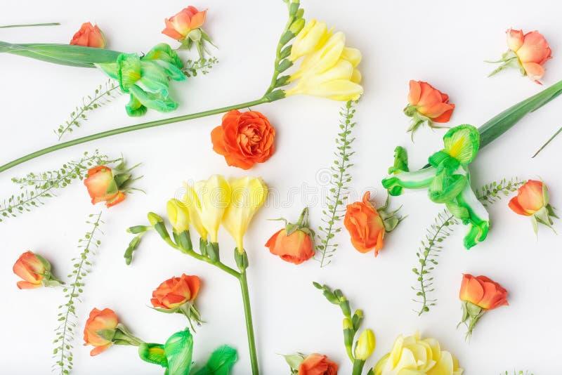 Цветочный узор на белой предпосылке o Предпосылка Дня матери r стоковые изображения