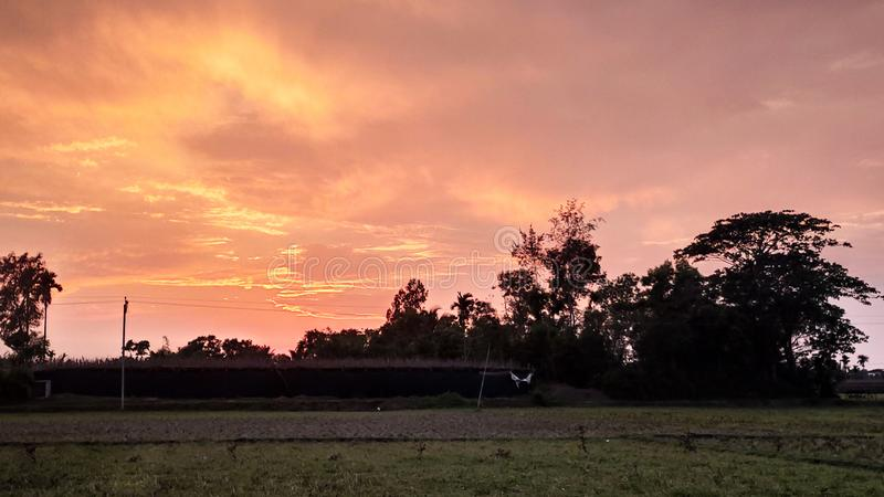 Цвет неба красивых изображений Monochrome стоковые фотографии rf