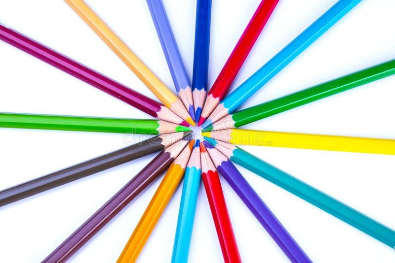 цвет предпосылки покрасил изолированные карандаши карандаша белым стоковая фотография