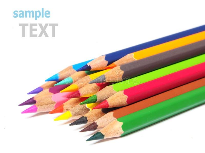 Цвет школьных принадлежностей рисовал shavings изолированные на белизне стоковое фото rf