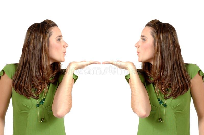целовать близнецов стоковые изображения rf