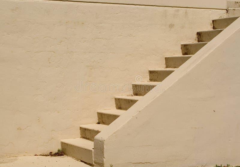 цементируйте лестницы стоковые изображения rf