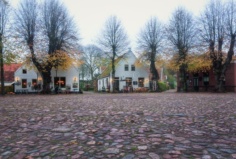 Центральная площадь в Bourtange, голландец укрепила деревню в th стоковое изображение