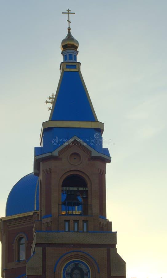Центральный купол церков в честь значка матери Казани бога Новосибирск, район Pervomaisky Изображение было стоковое фото rf
