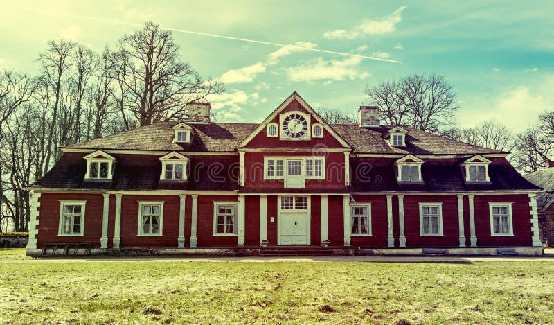 Центральное здание поместья Ungermuizha, Латвии стоковая фотография rf