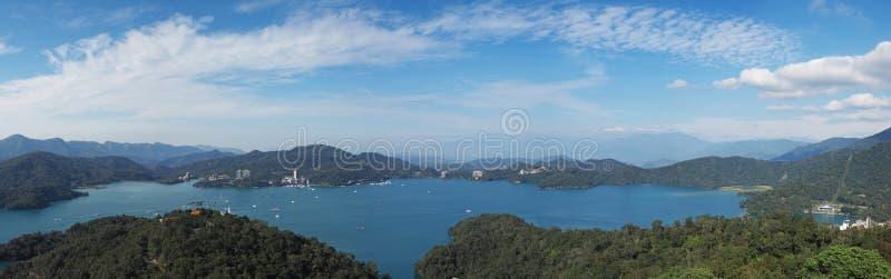 центральные восхитительные горы луны озера устанавливают солнце taiwan остальных релаксации поистине стоковая фотография rf