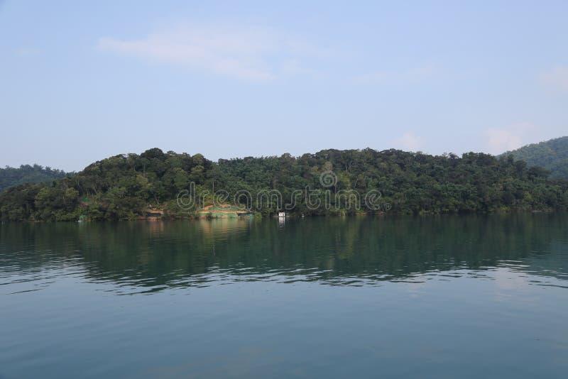 центральные восхитительные горы луны озера устанавливают солнце taiwan остальных релаксации поистине стоковое изображение rf