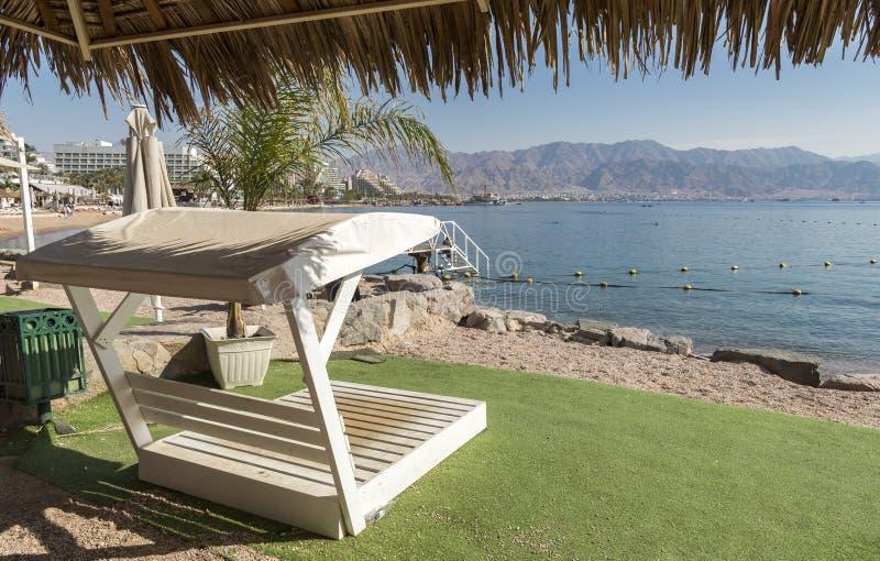 Центральный общественный пляж Eilat - известного курортного города в Израиле стоковая фотография rf