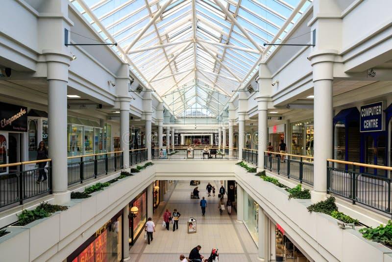Центр Говарда в Welwyn Garden City стоковые фотографии rf