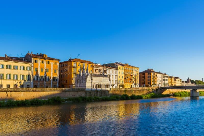 Центр города в Пизе Италии стоковая фотография rf