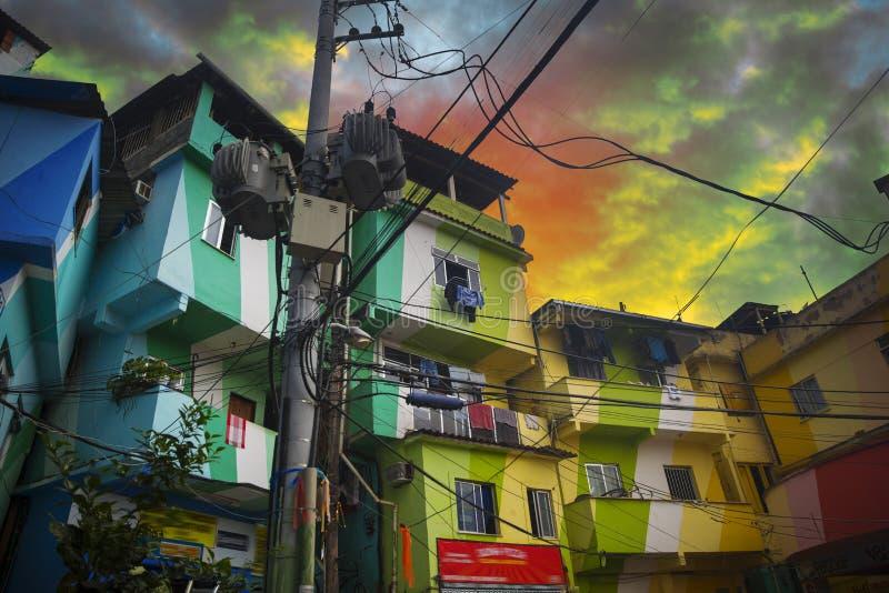 Центр города и favela Рио-де-Жанейро стоковые изображения rf