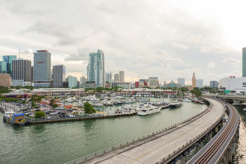 Центр города Майами от острова доджа стоковые фотографии rf