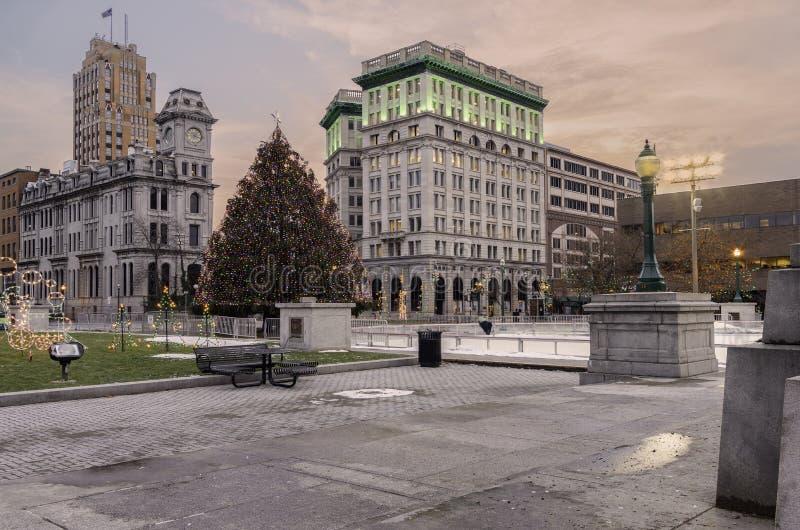 Центр города Сиракуза рождественской елки стоковые фотографии rf