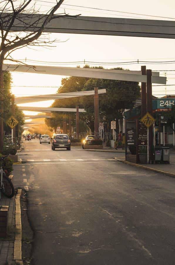 Центр города MS Бразилии пеламиды на заходе солнца стоковые изображения