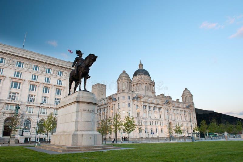 Центр города Ливерпуля - статуя Эдварда VII стоковое изображение
