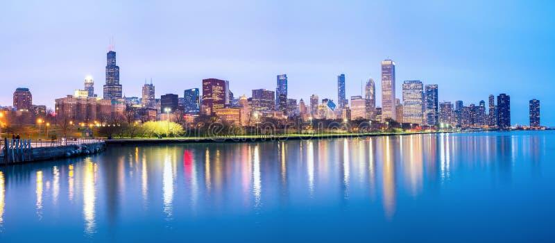 Центр города Чикаго и панорама Lake Michigan стоковые изображения rf