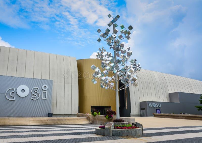 Центр науки COSI - Колумбус, Огайо стоковая фотография rf