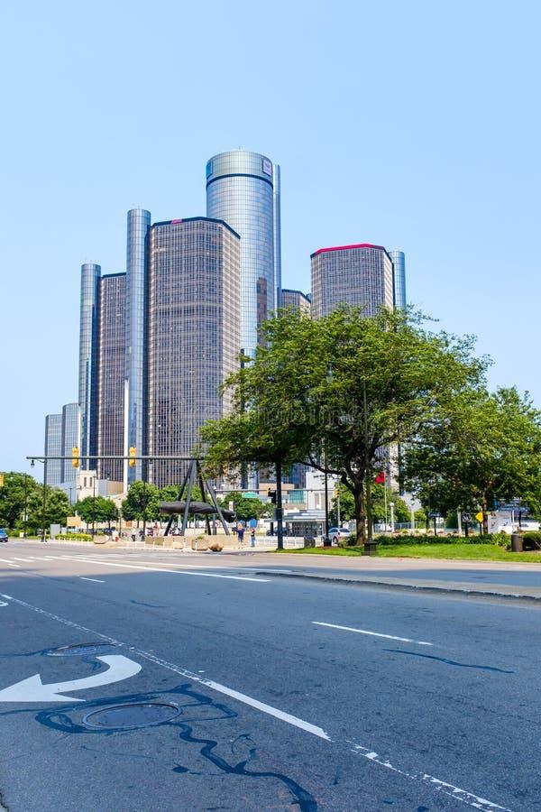 Центр ренессанса GM в Детройт стоковые фотографии rf
