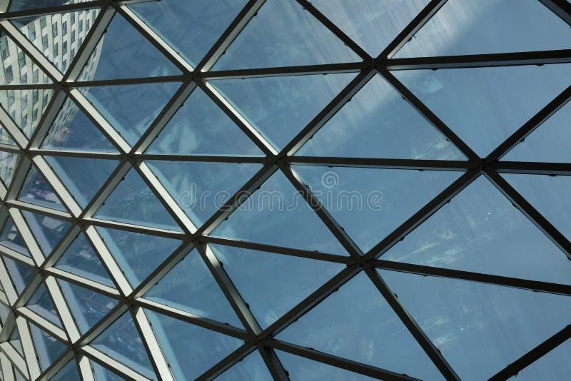 Центр современного потолка геометрический коммерчески стоковые изображения rf
