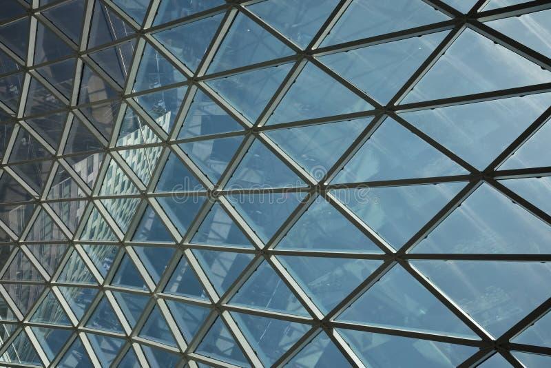 Центр современного потолка геометрический коммерчески стоковая фотография rf