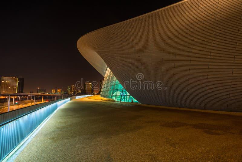 Центр Aquatics в парке ферзя Элизабета олимпийском, Лондоне Великобритании стоковые изображения rf
