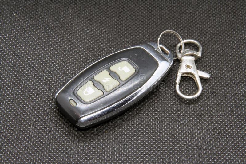 Цепь автомобиля ключевая Дистанционное управление замка автомобиля в ключевом кольце стоковые фотографии rf